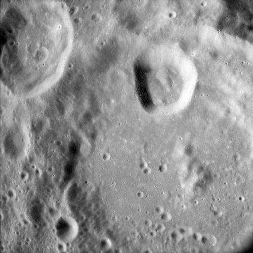 P0070-lune-dessus2