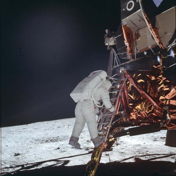 P0068-apollo-sur-lune-3