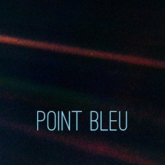 Un point bleu pâle