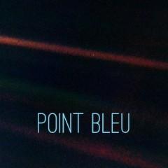 Un point bleu pâle